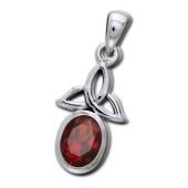 Vedhæng med Triquetra - Treenighedssymbolet og Rød Granat - u/kæde
