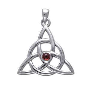 Vedhæng med Triquetra – Treenighedssymbolet og Rød Granat – u/kæde – pris 269.00