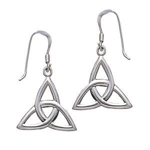 Øreringe med Triquetra – Treenighedssymbolet – pr sæt – pris 169.00