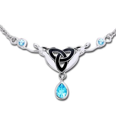 Halskæde med Triquetra - Treenighedssymbolet og Blå Topas