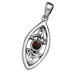 Vedhæng med Triquetra – Treenighedssymbolet og Rød Granat – u/kæde – pris 169.00